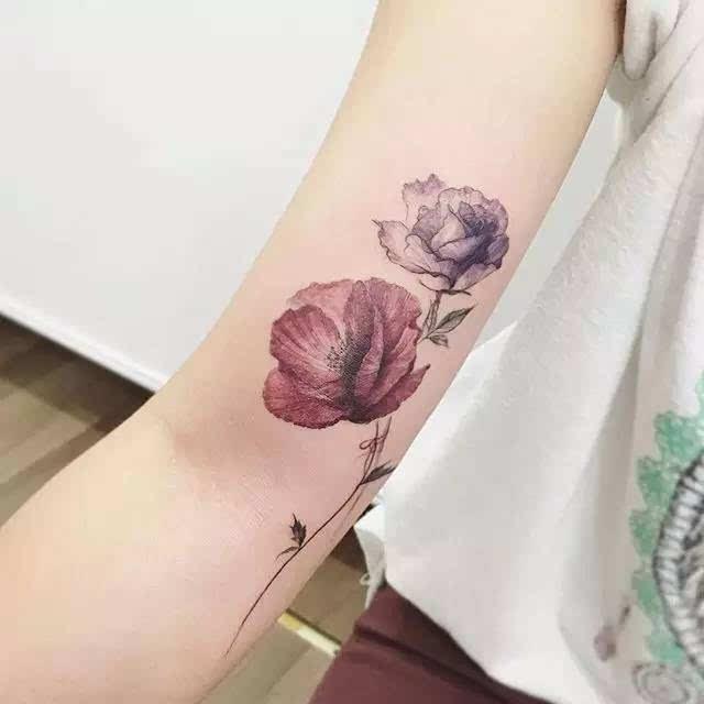 """柔软又娇媚,堪称""""撩汉第一名""""的碎花系纹身图片"""