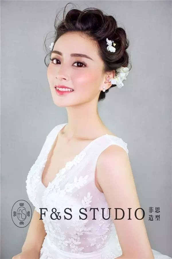 清新的田园风新娘与轻复古时尚新娘造型图片