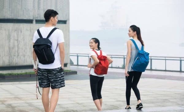小米发布轻动系百搭多用背包 售价39元的照片 - 5