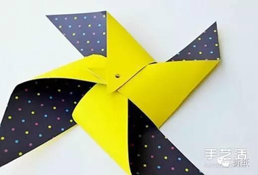 手工折纸风车图解教程 简单幼儿风车制作过程