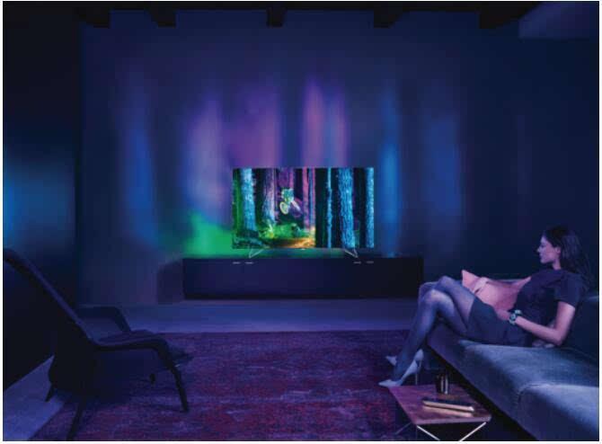 飞利浦推出首款自带环境灯光效果的55英寸OLED电视的照片 - 3