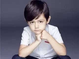 瓜子脸的小孩子适合什么样的发型呢?图片