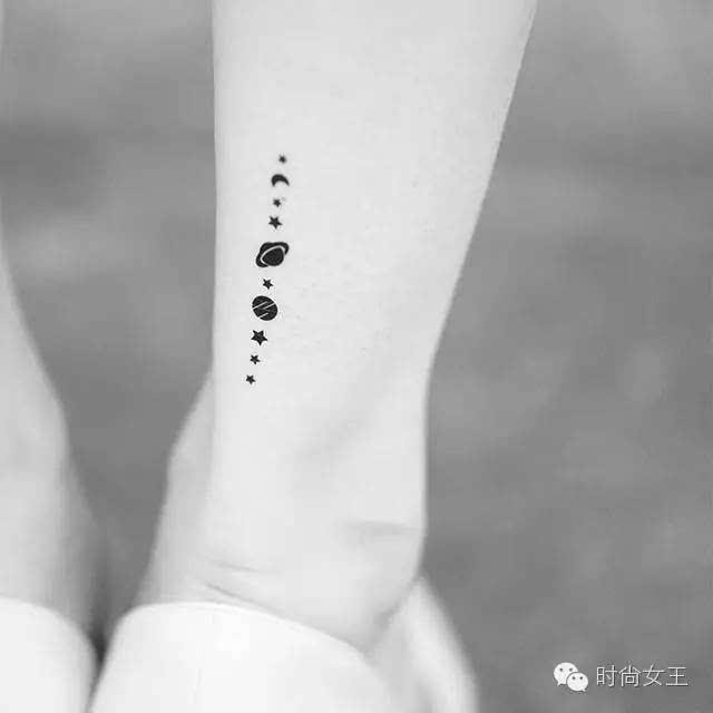 让人眼前一亮,纹身贴可以根据自己的喜好来选择,各种星星月亮,实在很
