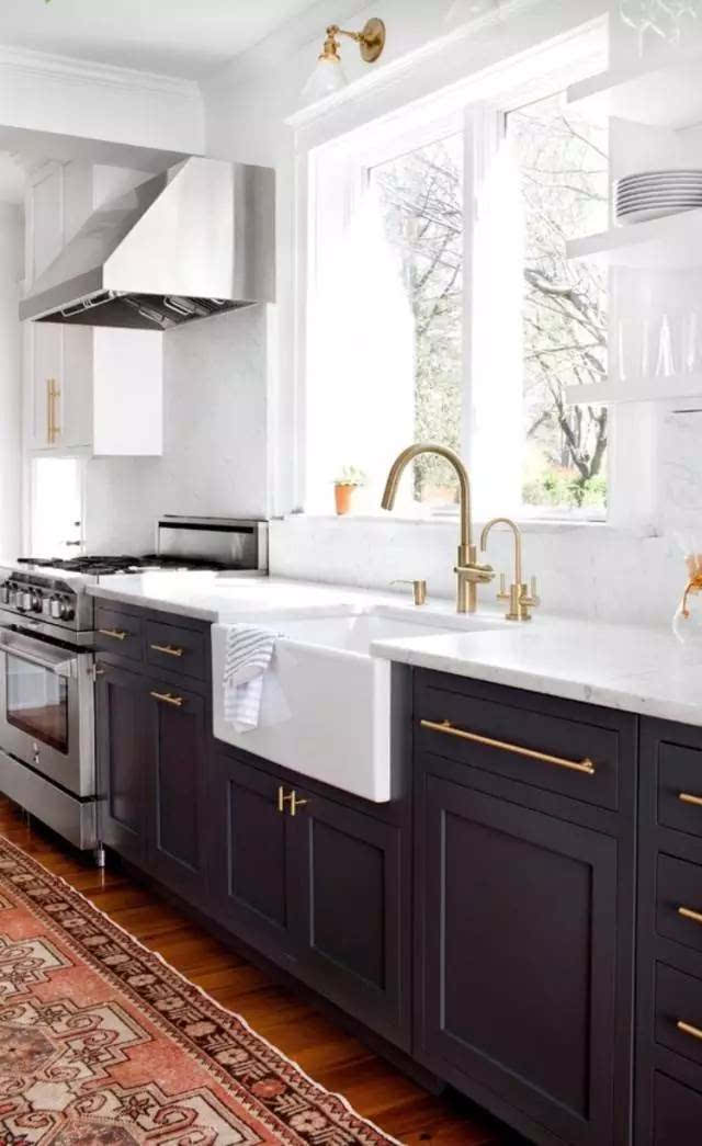 小摆件我的意见是在精不在多,应该要和厨房的风格协调.图片