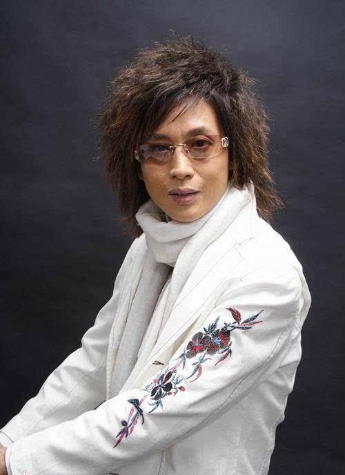 条上最火的广州流浪歌手阿龙 画皮图片