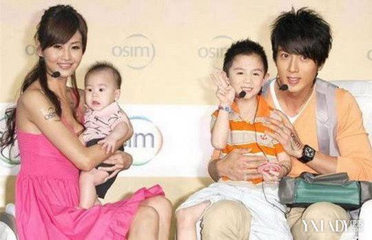吴尊全家福照片曝光 分享吴尊甜蜜温馨的家庭生活