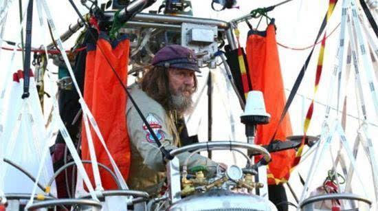 俄64岁探险家独自乘热气球11天环游地球 破世界纪录的照片 - 2