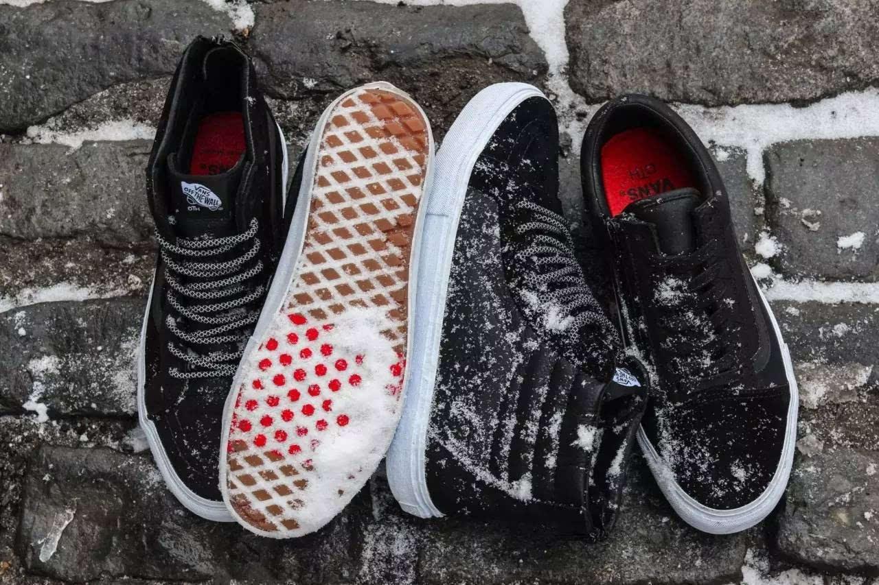 skool 作为发想,选择以永不过时黑,白两色为基调,于鞋带侧面加入拉链图片