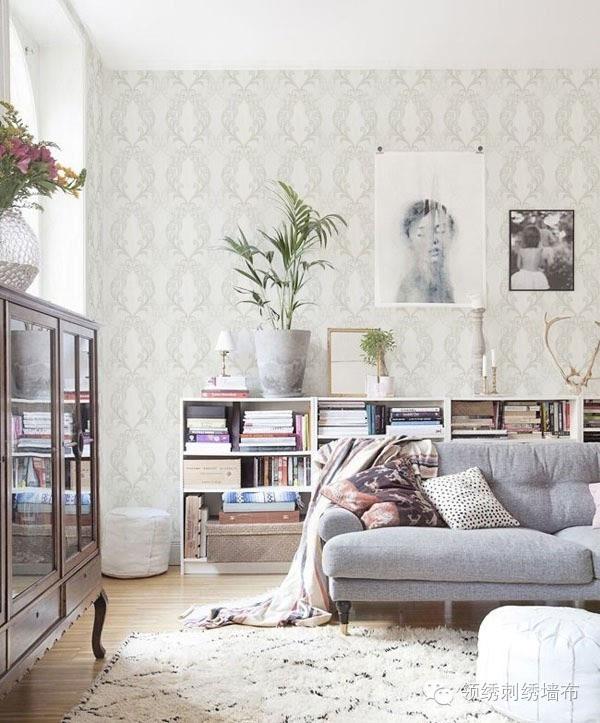 你不难发现,领绣刺绣墙布中常出现欧式色彩,无论是古典还是简约,都