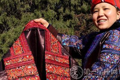 浅谈民族风,苗族的服饰和生活习惯