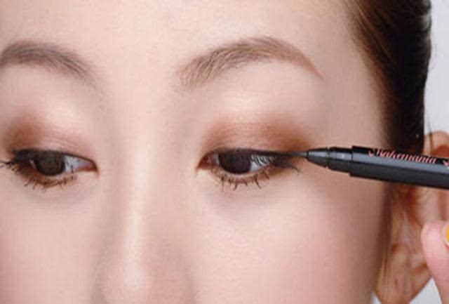开眼角眼线画法,无需动刀就能美