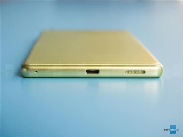 """""""窄边教科书""""索尼6寸Xperia XA Ultra美国开卖:2500元的照片 - 7"""