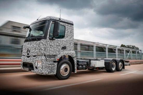 奔驰推出纯电动重型卡车Urban eTruck的照片 - 1