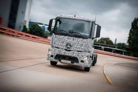 奔驰推出纯电动重型卡车Urban eTruck的照片 - 3