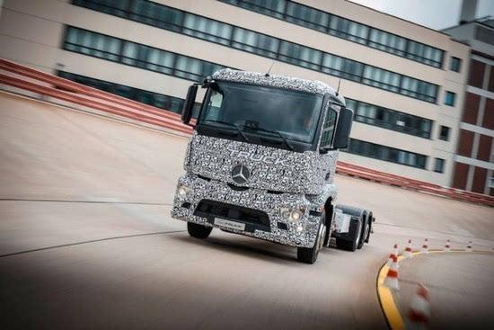 奔驰推出纯电动重型卡车Urban eTruck的照片 - 4