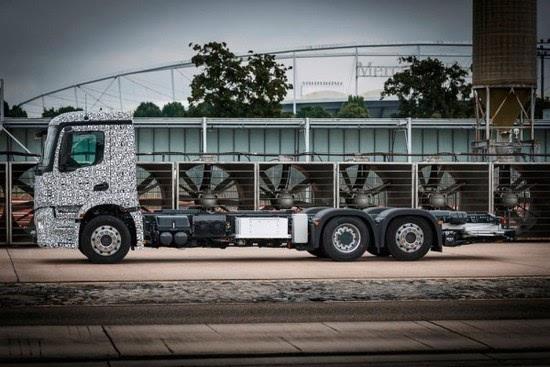 奔驰推出纯电动重型卡车Urban eTruck的照片 - 7