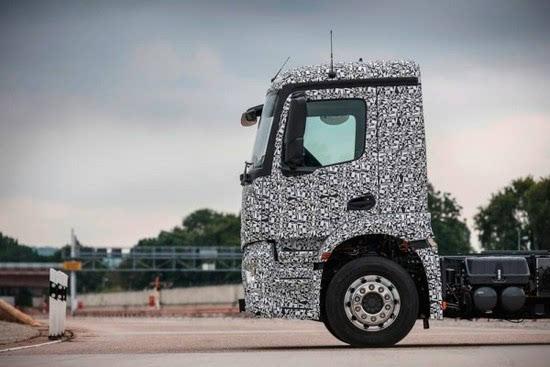 奔驰推出纯电动重型卡车Urban eTruck的照片 - 9