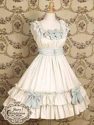 其款式设计集高贵与甜美于一身,很受国外的lolita少女欢迎.图片