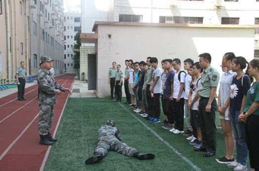 军营 感受军人style,定位 90后 新坐标