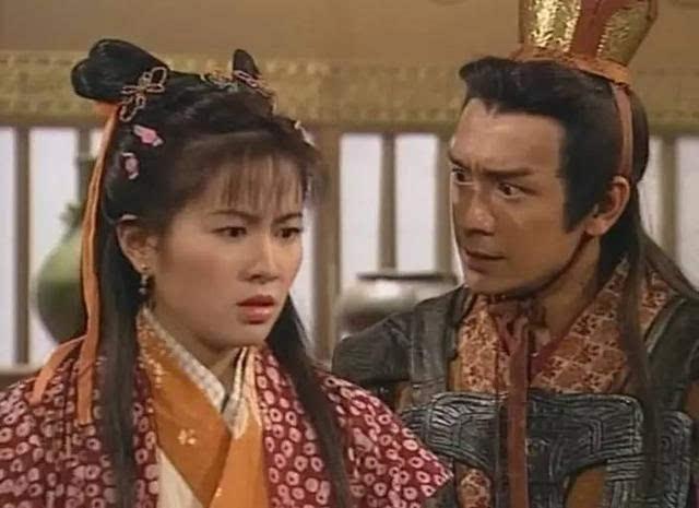 2000年,叶璇出演电视剧《庙街妈兄弟》和《美丽人生》,角色亦很有发挥图片