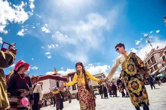 又双叒叕有明星在巴厘岛结婚啦 其实西藏才是最美的婚礼圣地