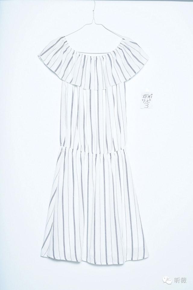 手绘露肩裙款式设计图