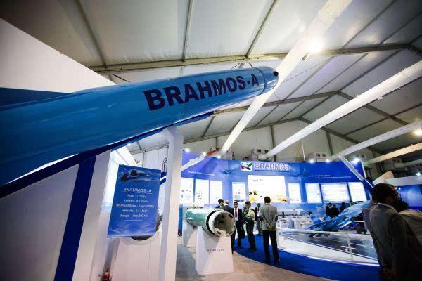俄媒:印度拟在中印边境部署百枚导弹 具俯冲打击能力