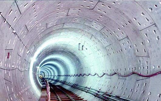 抗渗能力,抗震能力等技术要求设计管片的厚度,内径加厚度等于管片环的