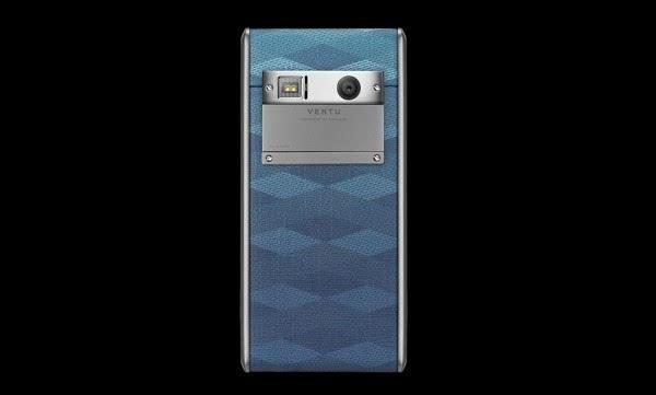 """Vertu发布4200美元""""廉价""""手机:支持无线充电的照片 - 3"""