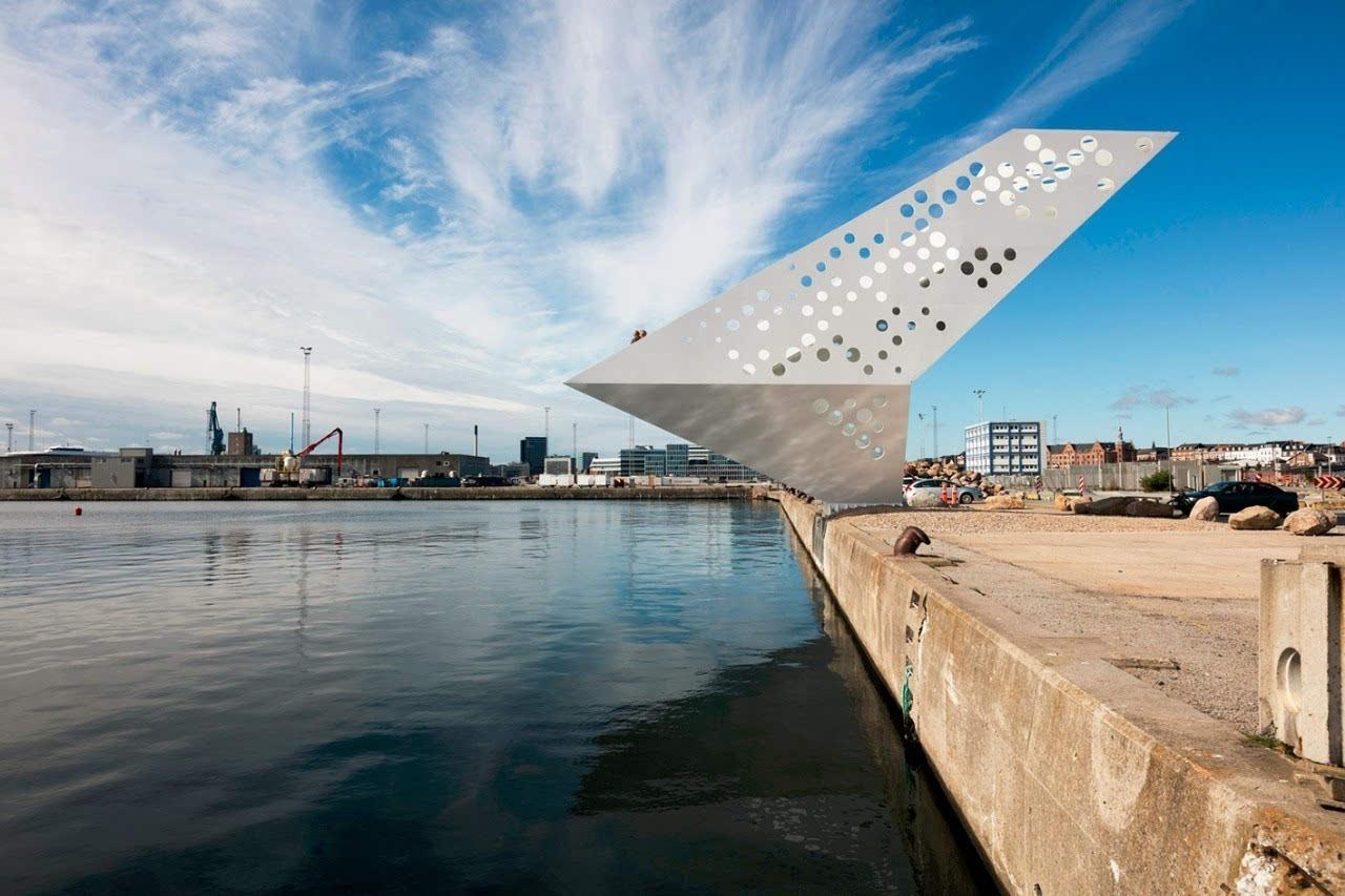 材料聚焦:海边的超级悬挑,钢结构的了望帆塔
