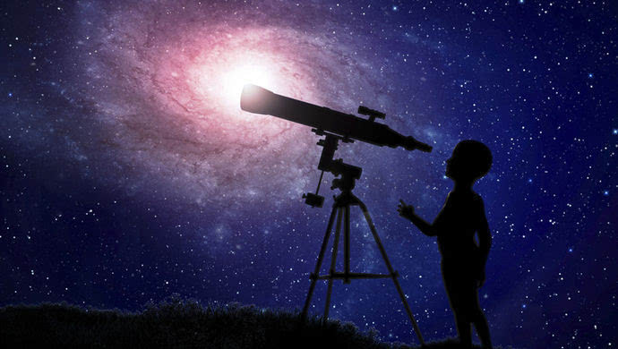 一个人仰望星空说说 仰望星空说说 仰望星空寓意人生说说