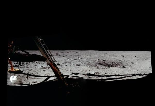 人类首次登月惊人照片公开 美国驳斥造假的照片 - 8