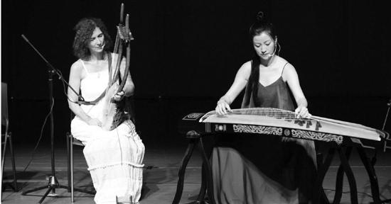 乐器却不能不拿,尤其是那把长得像小竖琴一样的里拉琴,从太阳神阿波罗图片