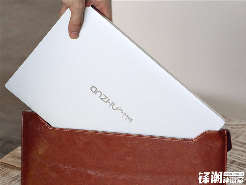畅跑网游大作的超极本:小米笔记本Air全面评测的照片 - 16