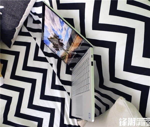 畅跑网游大作的超极本:小米笔记本Air全面评测的照片 - 9