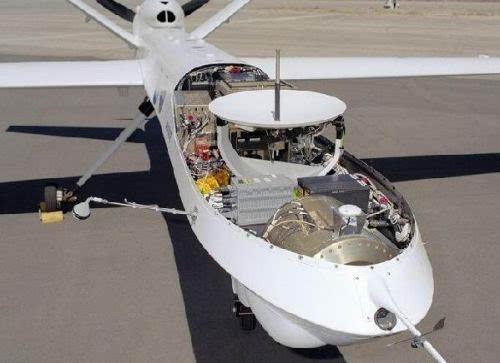 """图为:""""捕食者""""b无人机机头的卫星通讯天线"""