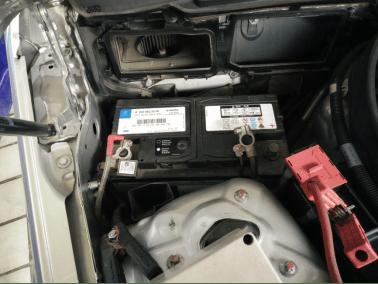 是不能容忍由汽车蓄电池亏电带来诸如音响质量不稳定等一点点瑕疵的.