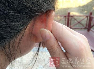 3,提高手的温度 大家在按摩耳朵之前,最好是把自己的双手搓热了,之后