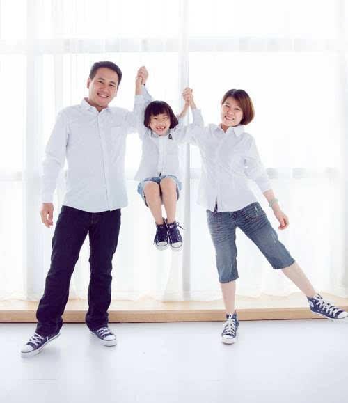 6.【照片类型】 可以是影楼全家福↓ 创意无极限,温馨最重要! 7.图片