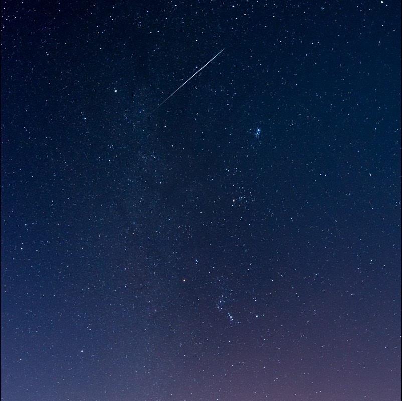 摘要北半球三大流星雨之一的英仙座流星雨,将迎来超常规模的大爆发.