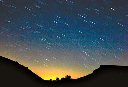英仙座星流雨爆发 系北半球三大流星雨之一
