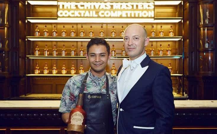钱到芝华士鸡尾酒大师赛全球冠军 Alejandro M