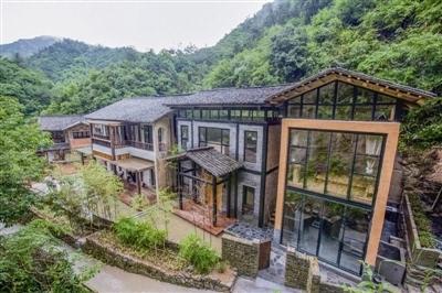2010年,淳安县投资630万元打造庭院式农家乐示范村,选点就在葛岭村,葛