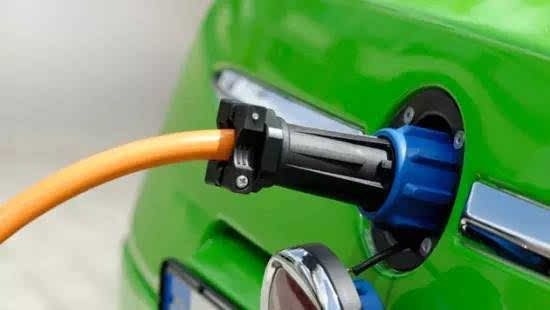 """性能相当于充电宝?首款石墨烯基锂离子电池""""烯王""""遭质疑的照片 - 6"""