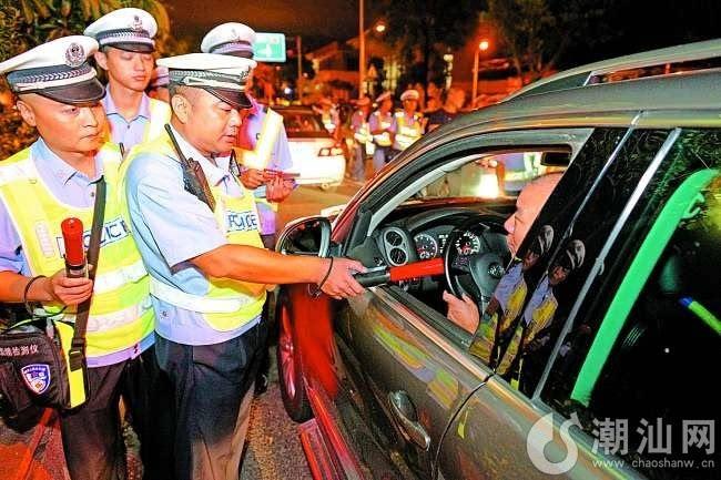 市交警部门昨晚启用新型测试仪查处酒驾2宗 农