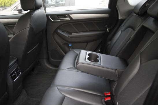 图解:RX5车内座椅柔软,车内空间大,可减轻长途乘车疲惫感-赶紧高清图片