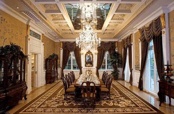 高耸的石膏板吊顶,拼成井式方格造型,雕刻后的石膏板有着独特的形状.