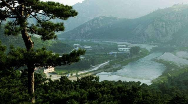 蟠桃峪村是秦皇岛市抚宁县的一个小山村,依山傍水,远离城市喧嚣.