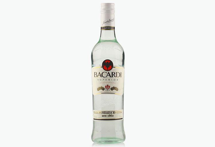 百加得白朗姆酒