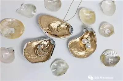 各种形状的贝壳组合成惟妙惟肖的小动物,很可爱吧.